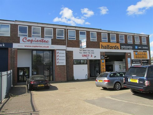 INDUSTRIAL UNIT SOLD IN FELTHAM