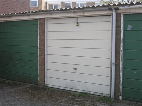 FREEHOLD GARAGE SOLD IN TEDDINGTON