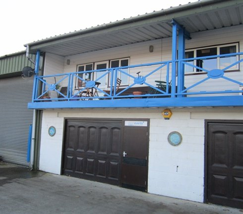 3 INDUSTRIAL UNITS LET ON POPULAR SWAN ISLAND LOCATION