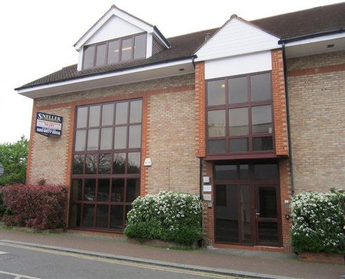 TOWN CENTRE GROUND FLOOR OFFICE LET